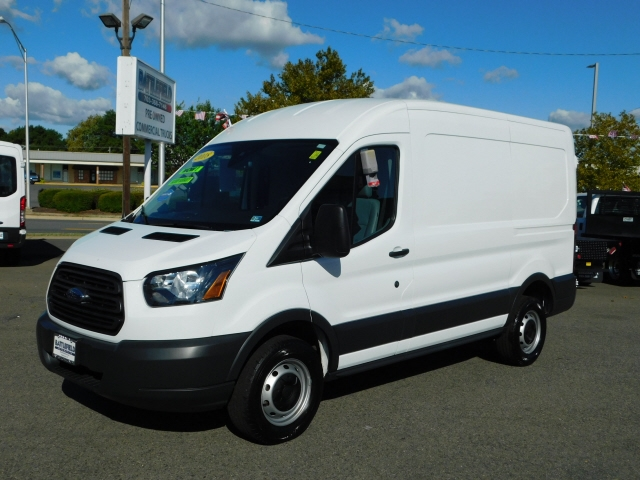 Ford Transit 250 Van Med. Roof w/Sliding Pass. 130-in. WB 2018