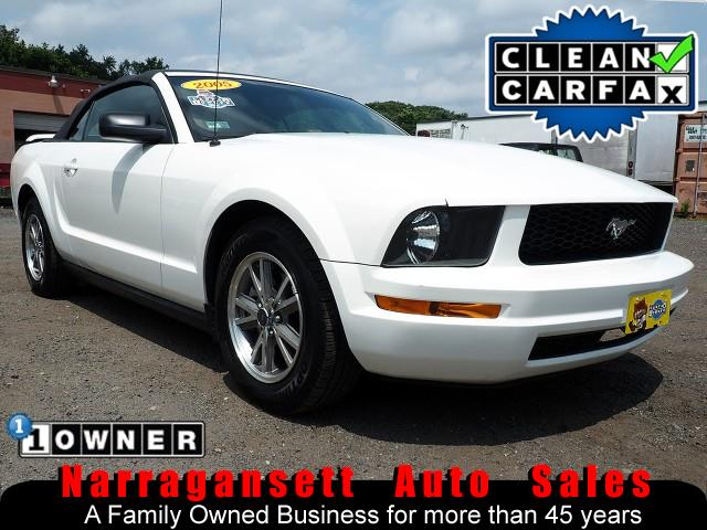 2005 Ford Mustang Convertible V-6 Auto Full Power Leather 1-Owner