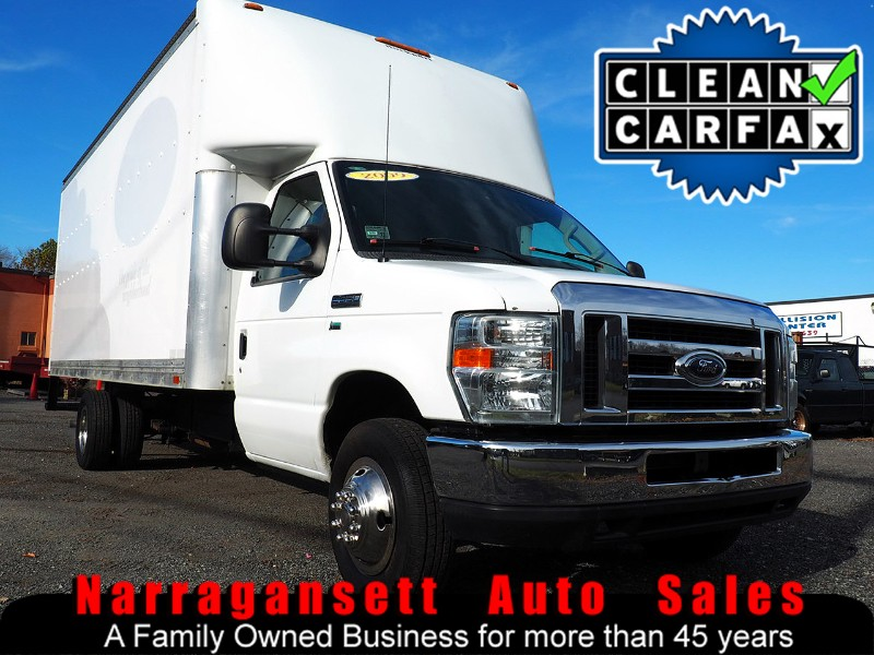 2009 Ford E350 18' Box Truck V-8 Auto Air Super Clean Truck