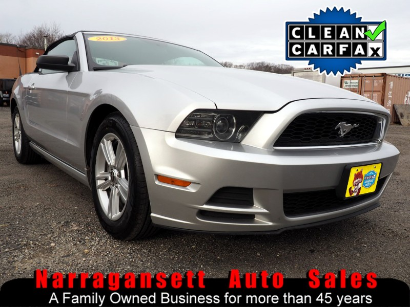 2013 Ford Mustang Convertible V-6 Auto Air Full Power Like New