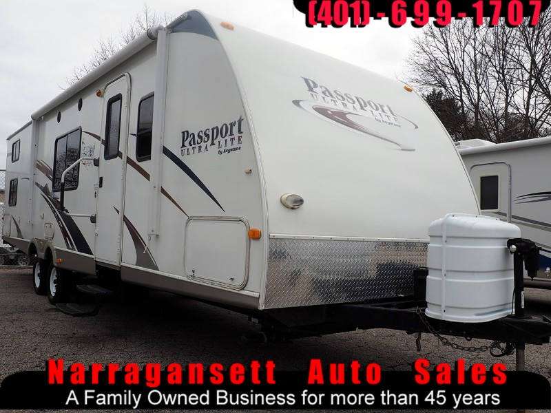 2009 Keystone Passport Ultra Lite 29' Slide-Out Quad Bunks Sleeps 10