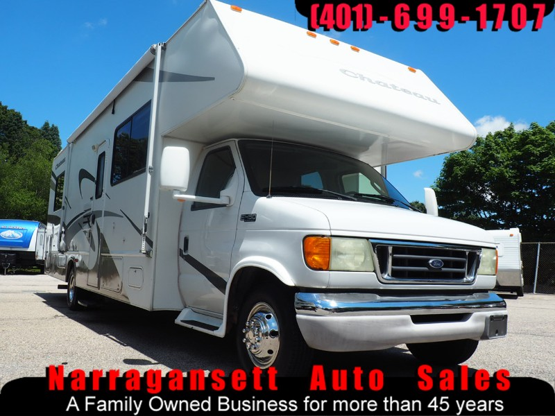 2004 Ford E450 Chateau 29' Class C Slide-Out Only 8590 Miles