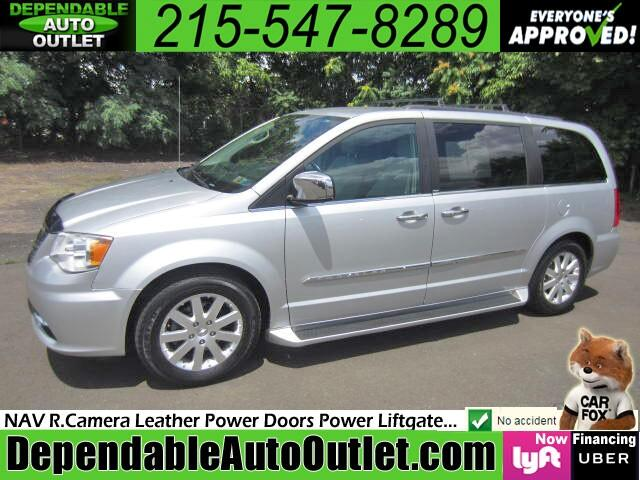 2011 Chrysler Town & Country Touring-L w/NAV DVD