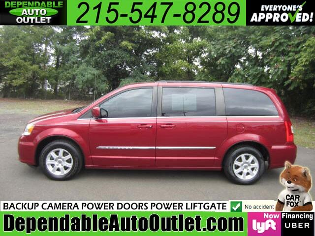 2012 Chrysler Town & Country LX Stow N Go