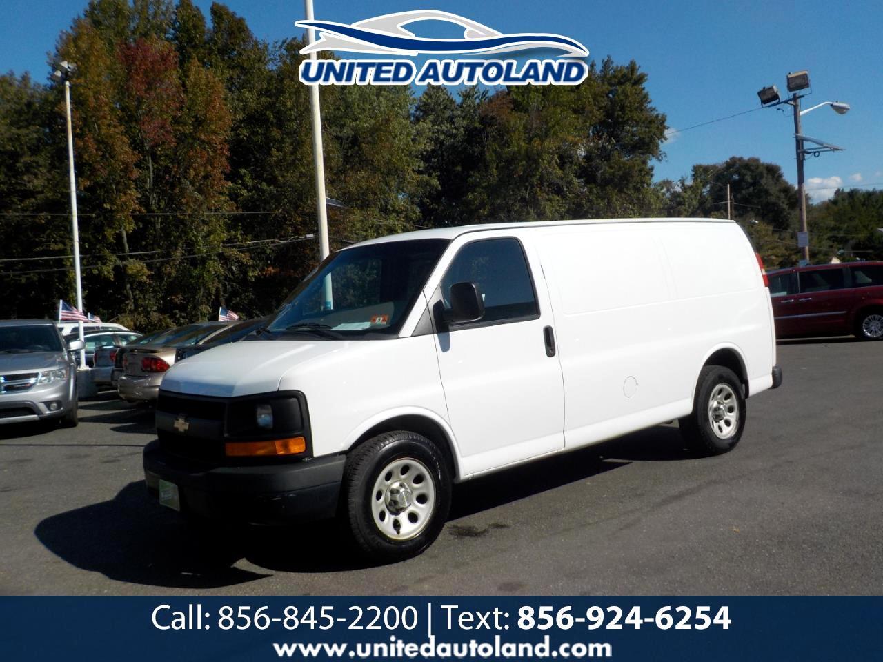 """Chevrolet Express Cargo Van RWD 1500 135"""" 2014"""