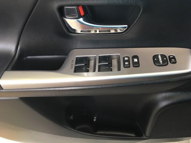 2016 Toyota Prius V 5dr Wgn Two (Natl)