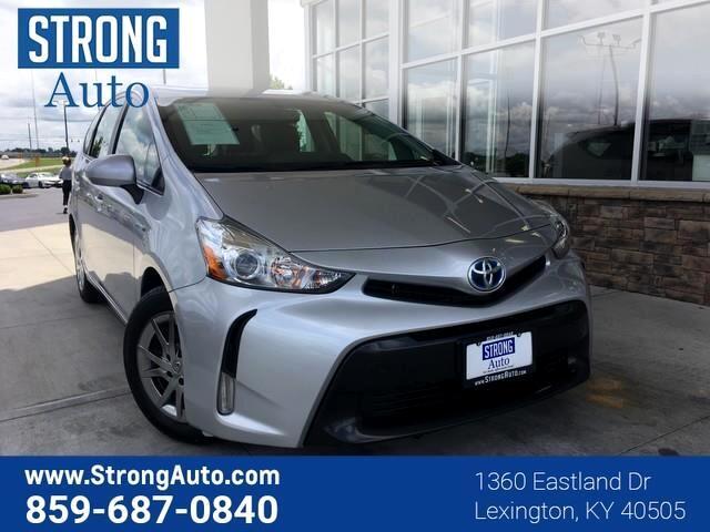 Toyota Prius V 5dr Wgn Three (Natl) 2016