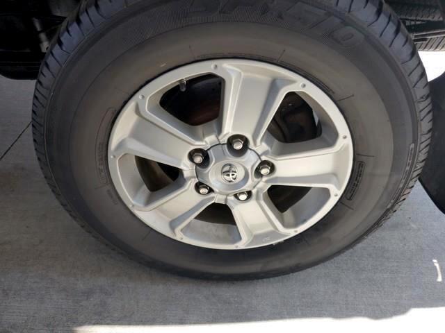 2014 Toyota Tundra 4WD Truck Double Cab 5.7L V8 6-Spd AT SR (Natl)