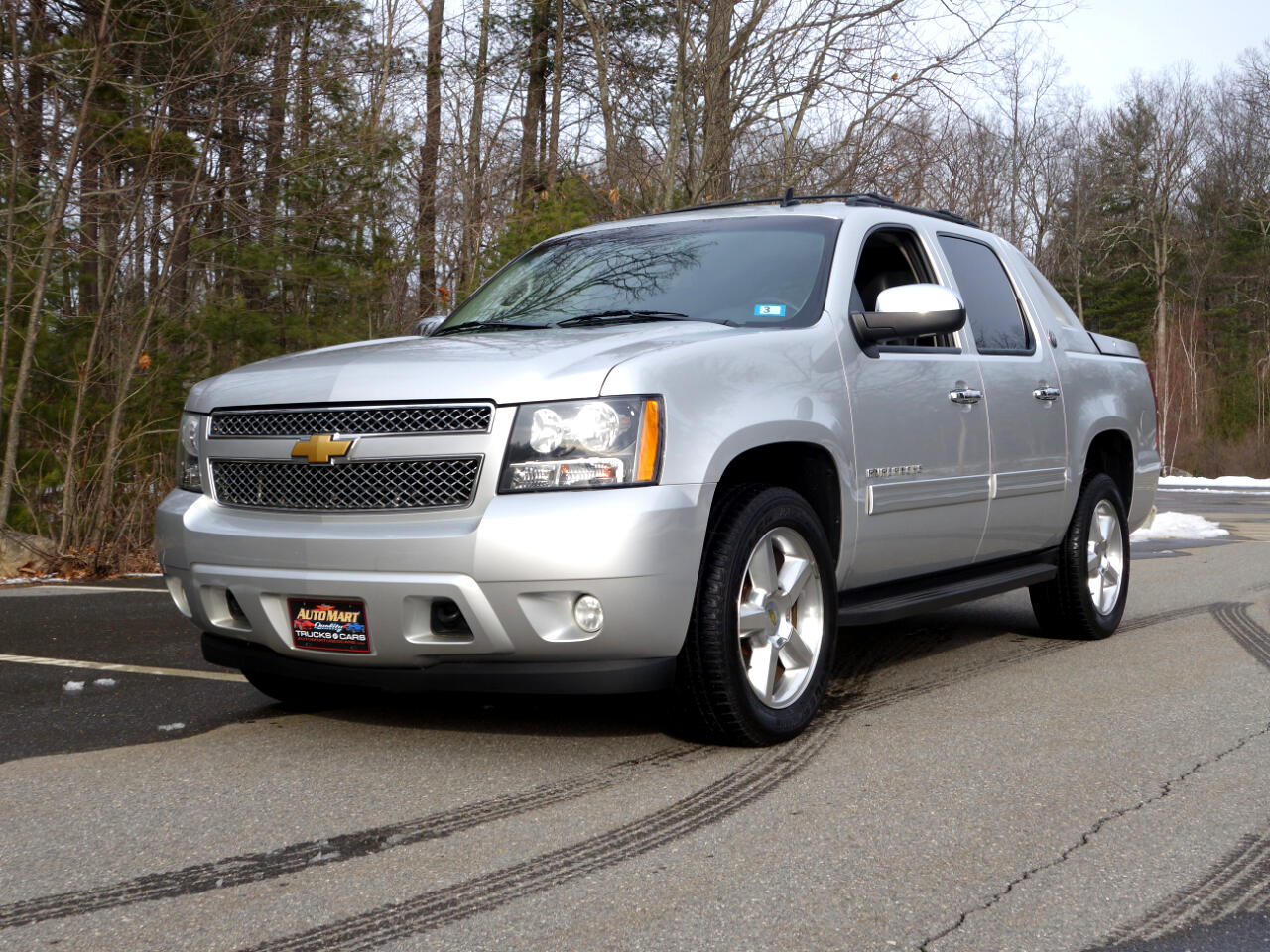 Chevrolet Avalanche 4WD Crew Cab LT 2013