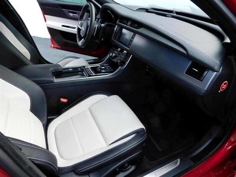 Jaguar XF-Series  2018