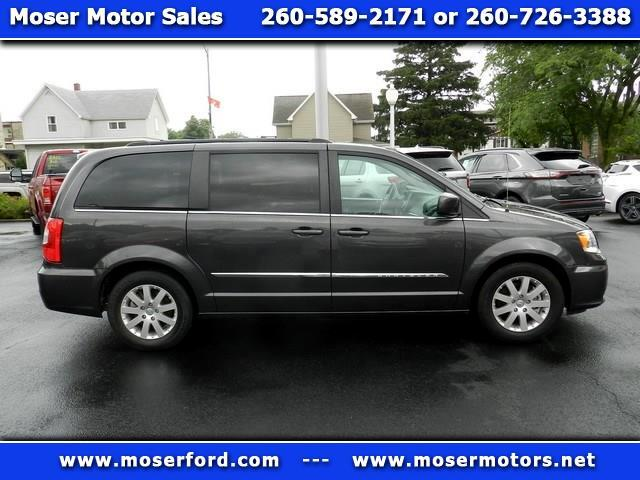 2016 Chrysler Town & Country 4dr LWB Touring FWD
