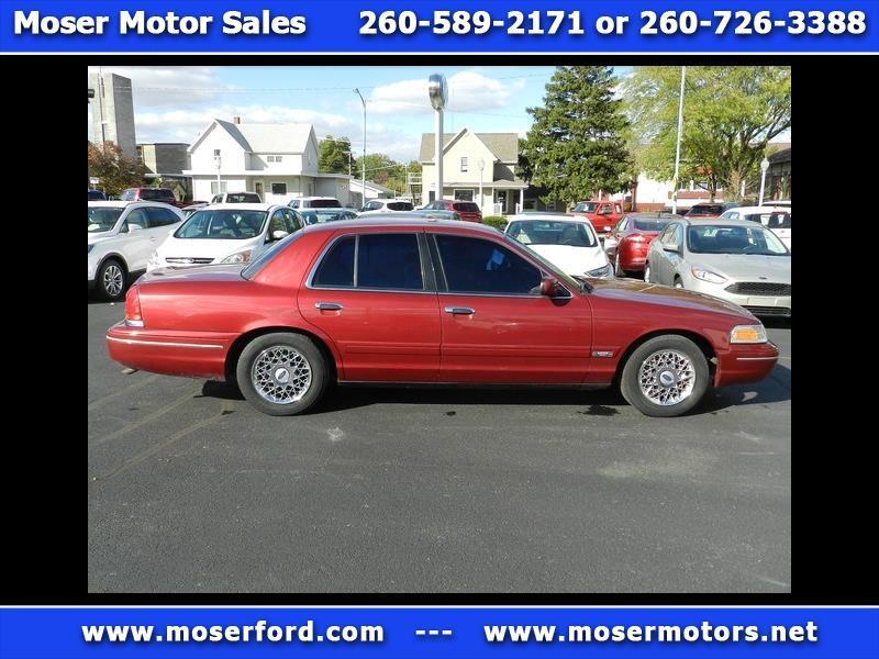 2002 Ford Crown Victoria 4-Door GS