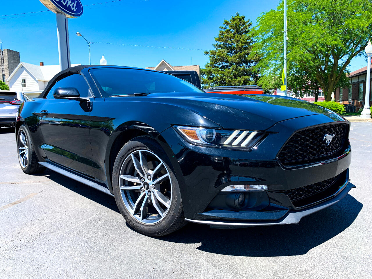 Ford Mustang Eco Premium 2D Convertible 2017