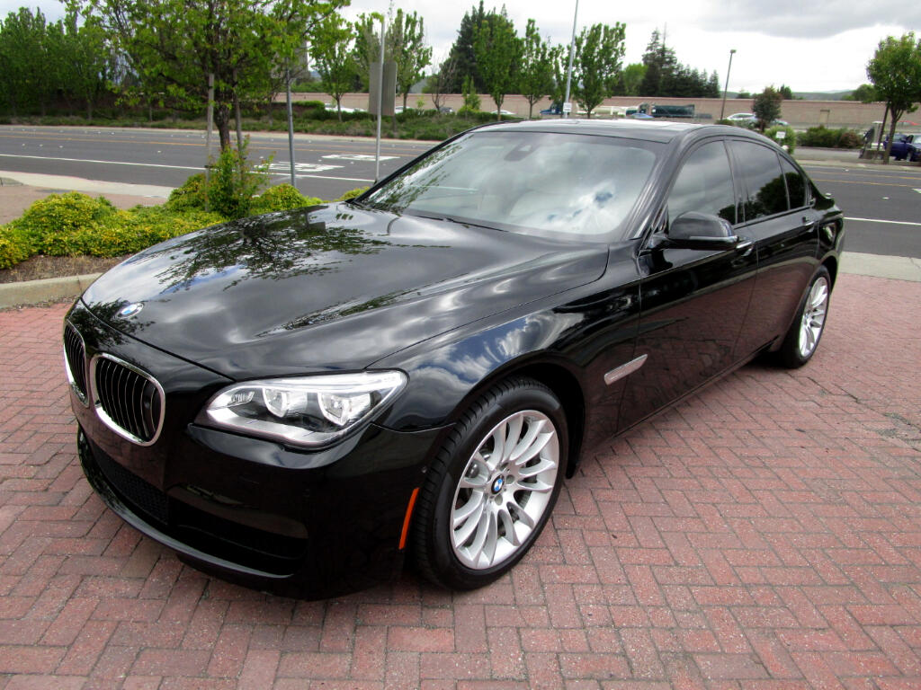2015 BMW 740i M SPORT PKG**EXEC*DRIVER ASSIST*LUX SEATS*COLD WTH