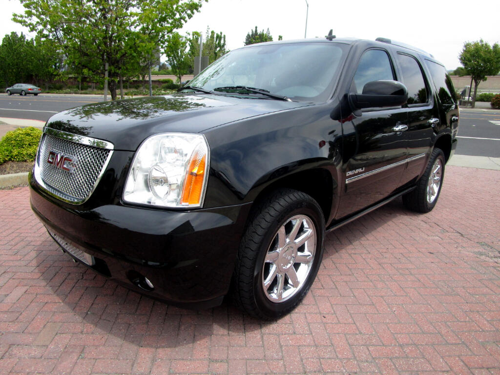 2013 GMC Yukon Denali AWD*NAV*SAT*HEAT-AC SEATS*REAR HEAT SEATS*3RD ROW*