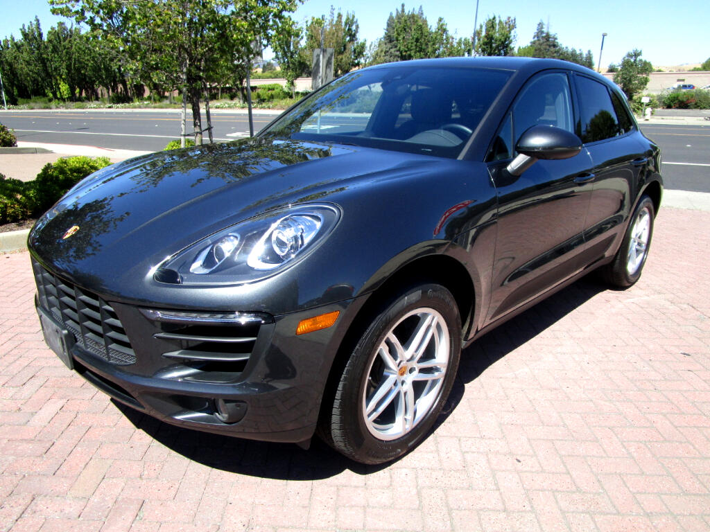 2017 Porsche Macan AWD**PANO*HEAT SEATS*LANE DEPT WARN*NAV*SAT*