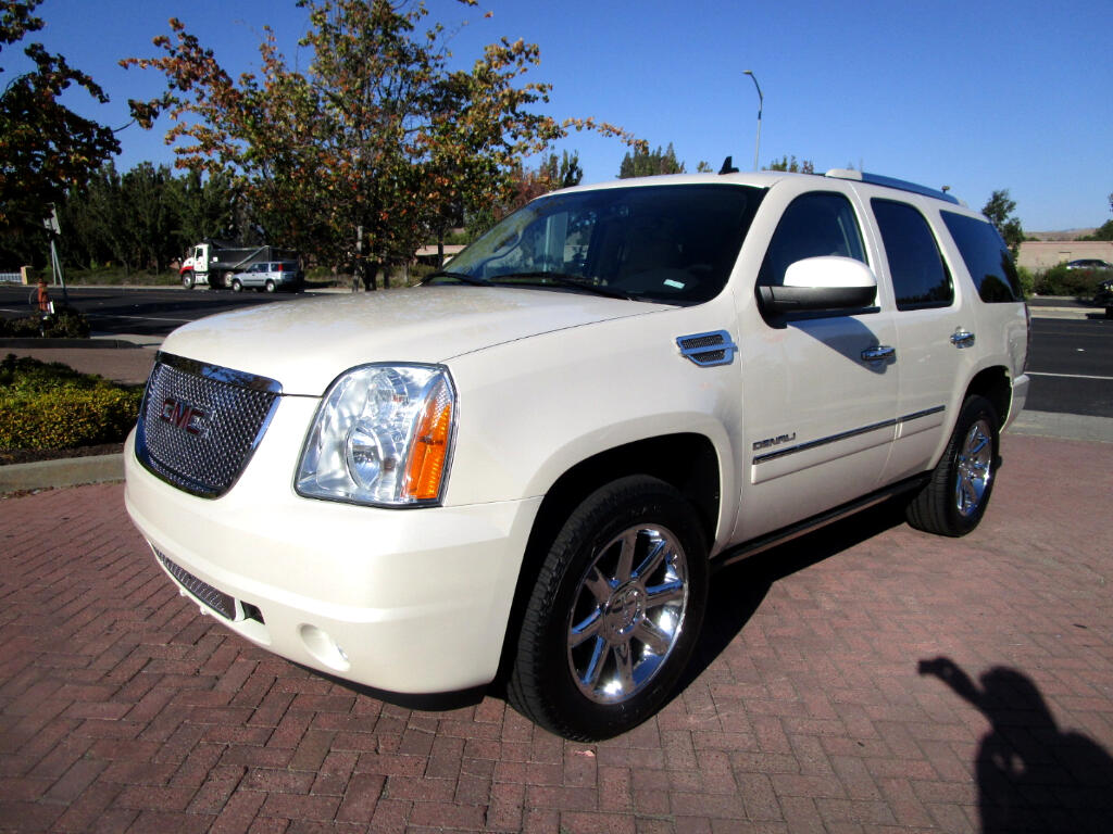 2013 GMC Denali AWD*8100LB TOW PKG*HEAT/AC SEATS*3RD ROW*LIKE NEW*