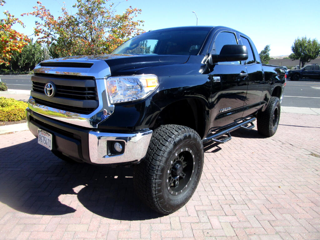 2015 Toyota Tundra 4WD Truck DOUBLE CAB*SR5*TRD 4X4 OFF ROAD PKG* 5.7L V8*TOW P