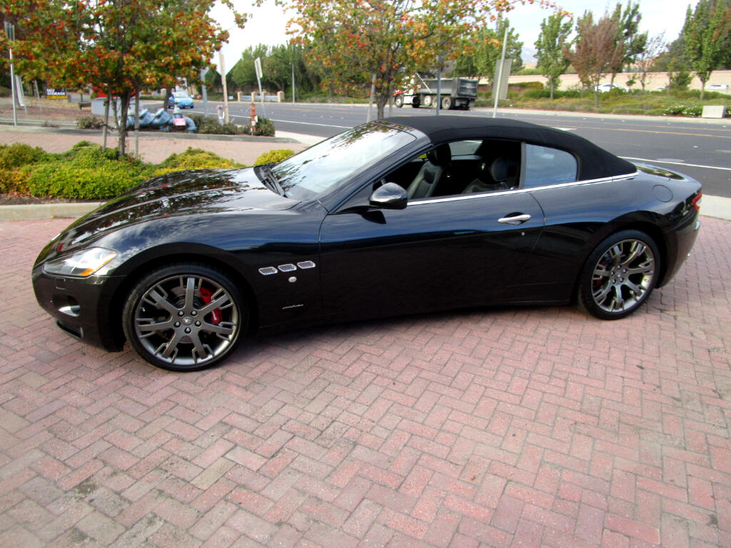 2013 Maserati GranTurismo Convertible SKYHOOK*BOSE*NAV*SAT*HEAT SEATS*XENON HD-LIGHTS*