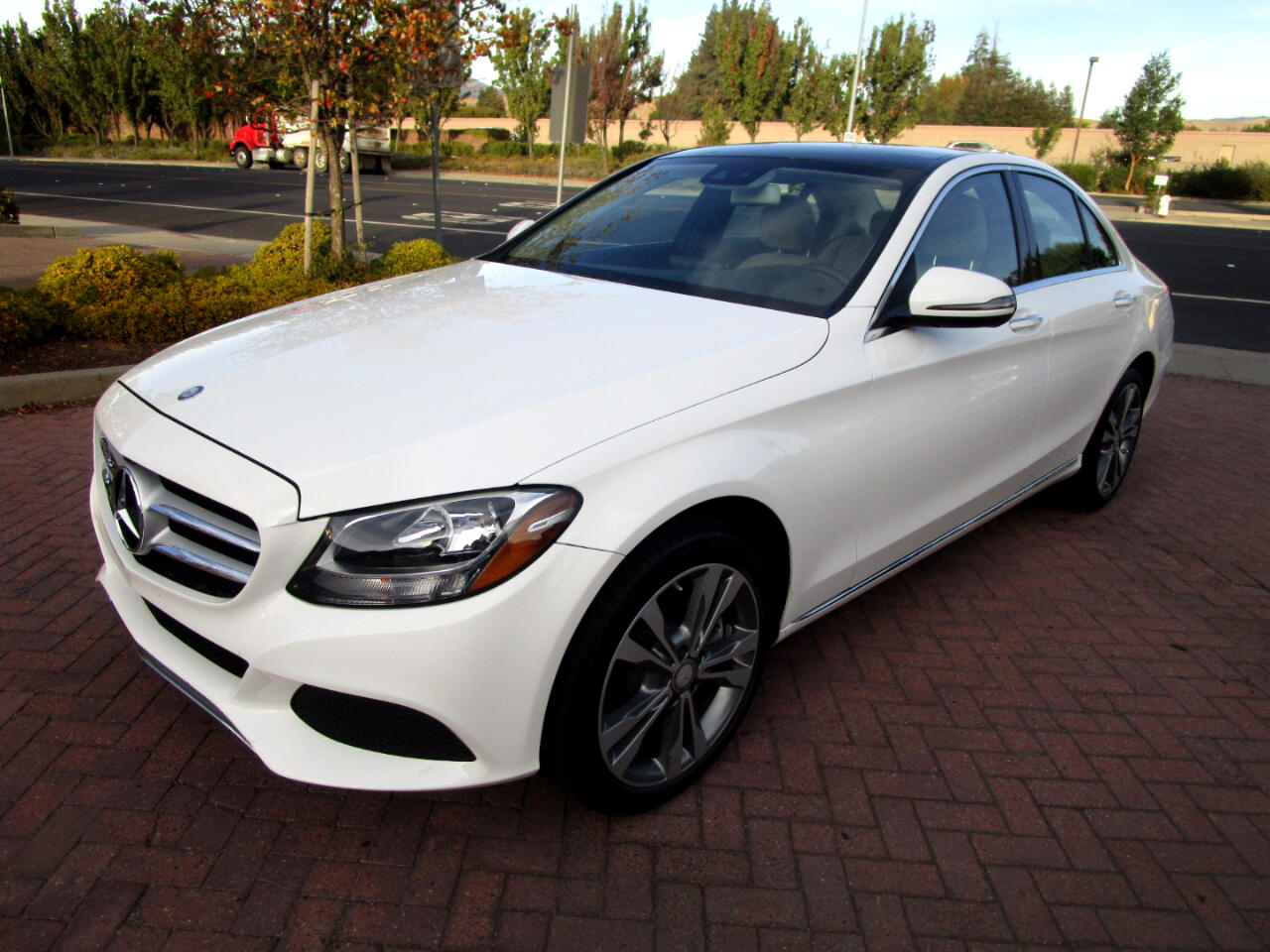 2016 Mercedes-Benz C300 4MATIC*P1 PKG*PANO*HEAT SEATS*SAT RADIO*REAR CAMER