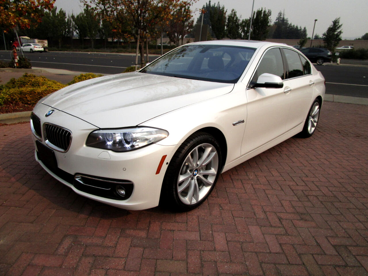 2015 BMW 535i xDrive PREM*LUX*CLD WTHR*HEAT F/R SEATS/STR WHL*DRVR ASST