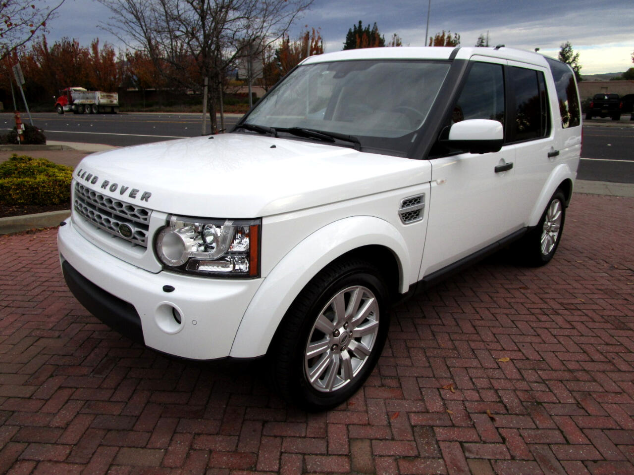 2013 Land Rover LR4 4WD HSE PKG**HEAT SEATS*NAV*SAT*DUAL ROOFS*TOW*