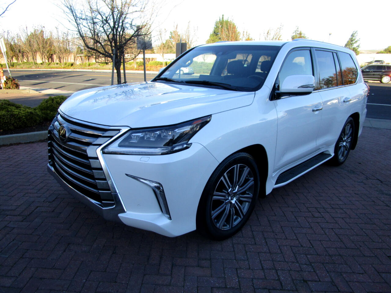 2017 Lexus LX 570 AWD LUXURY*FRONT/REAR HEAT-COOLED SEATS*DRIVER ASS