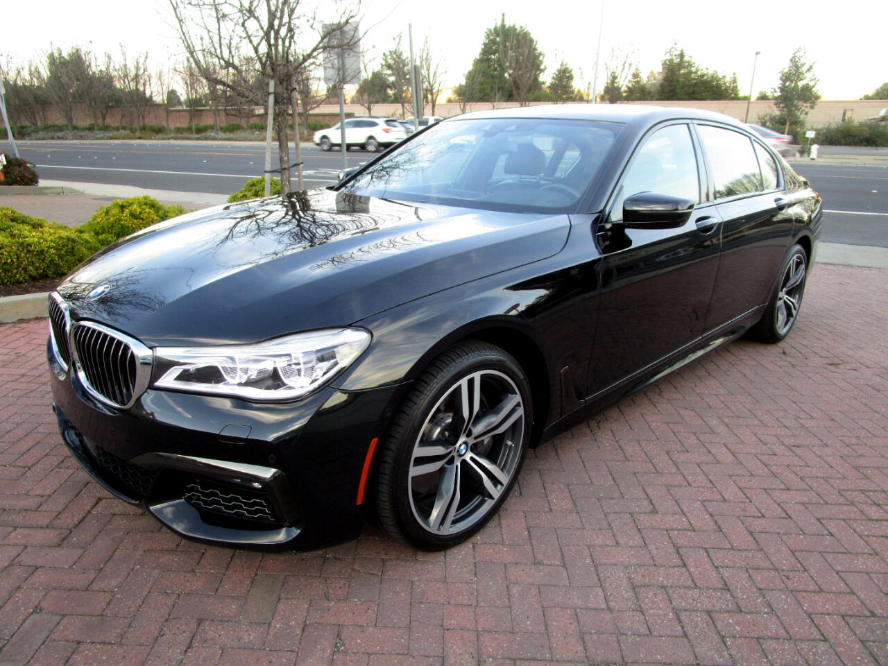 2016 BMW 750i xDrive MSRP $130K*AUTOBAHN PKG*DRIVER ASSIST PLUS*EXEC*
