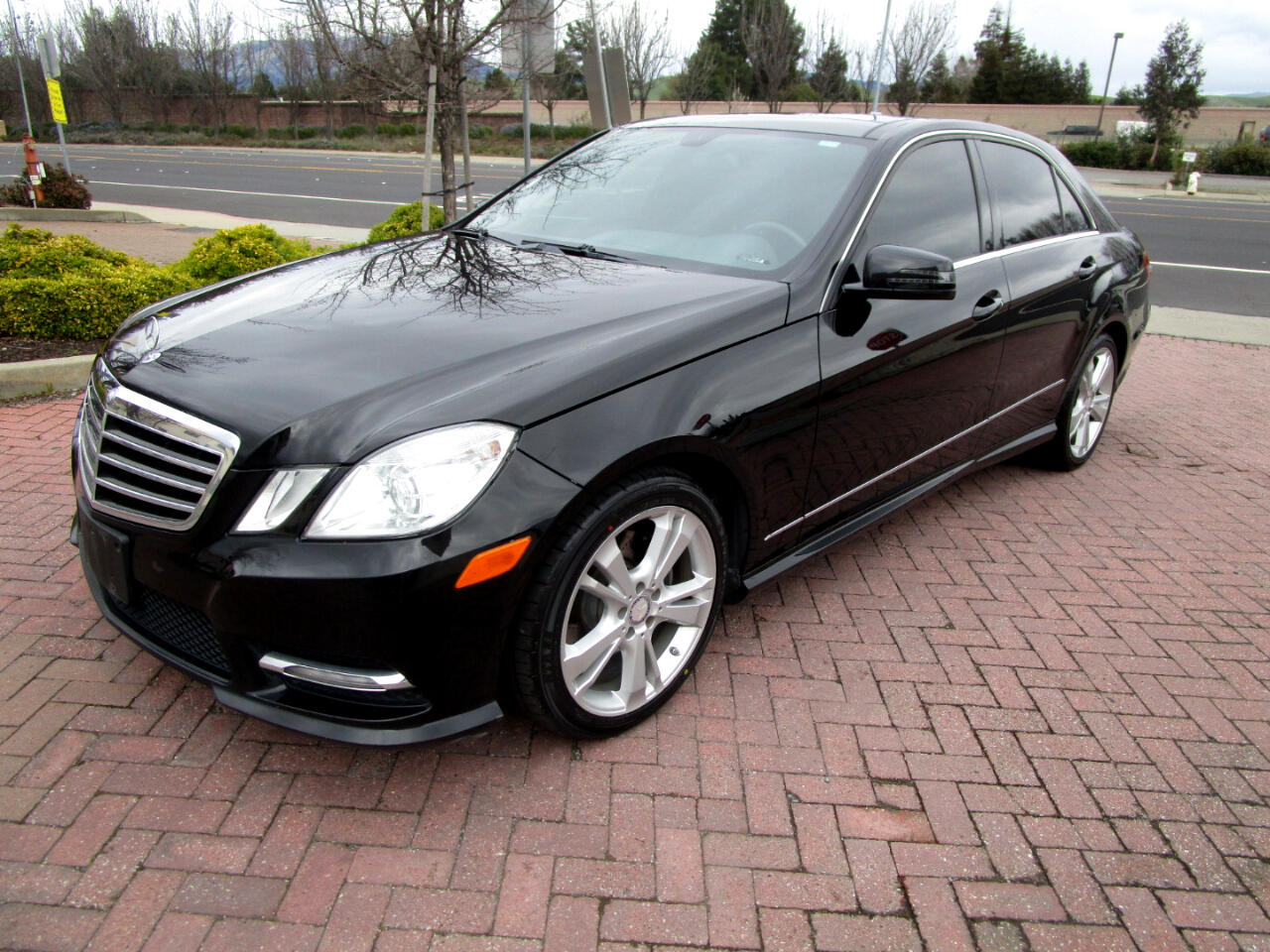 2012 Mercedes-Benz E350 HEATED SEATS*PANO ROOF**HARMAON KARDON SOUND*CAM