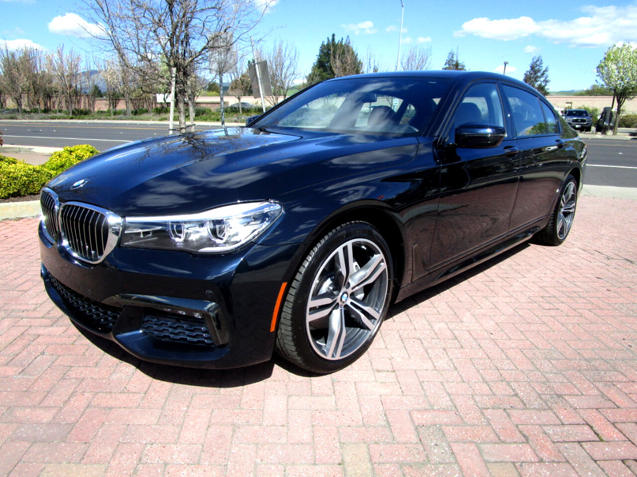 2016 BMW 740i M SPORT-EXECUTIVE PKG'S*ACTIVE HEAT/AC SEATS*HEADS