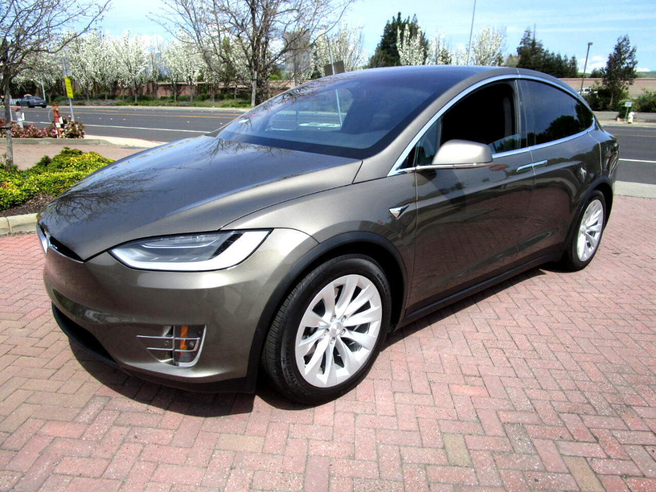 2016 Tesla Model X 90D AWD**FULL AUTO PILOT WITH SELF DRIVING CAPABIL