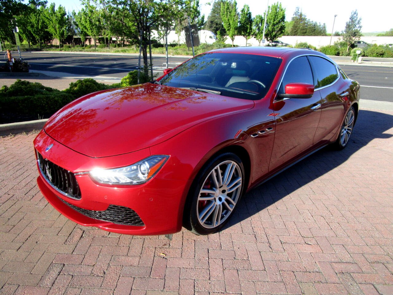 2015 Maserati Ghibli SQ4 AWD***NAVIGATION**HEATED SEATS**MOON ROOF**CAM