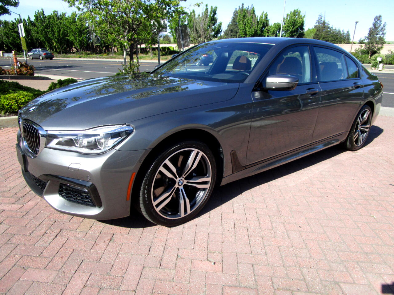 2016 BMW 750i xDrive $123K NEW**F/R MASSAGE HEAT/AC SEATS*NIGHT VISION*