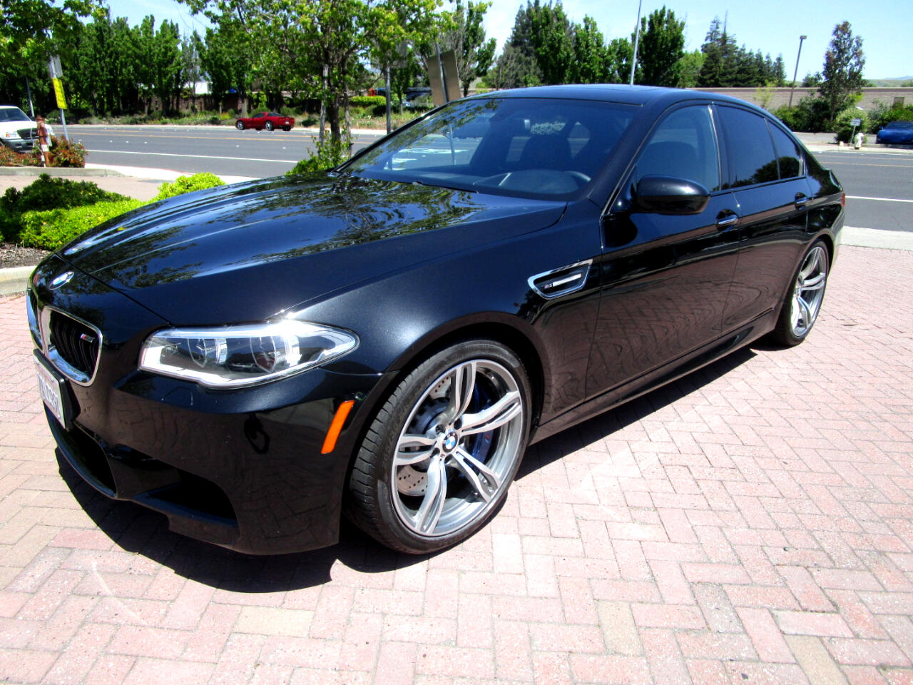 2014 BMW M5 EXECTUIVE PKG**7 SPEED MSG/PADDLE SHIFT**HEAT/AC S