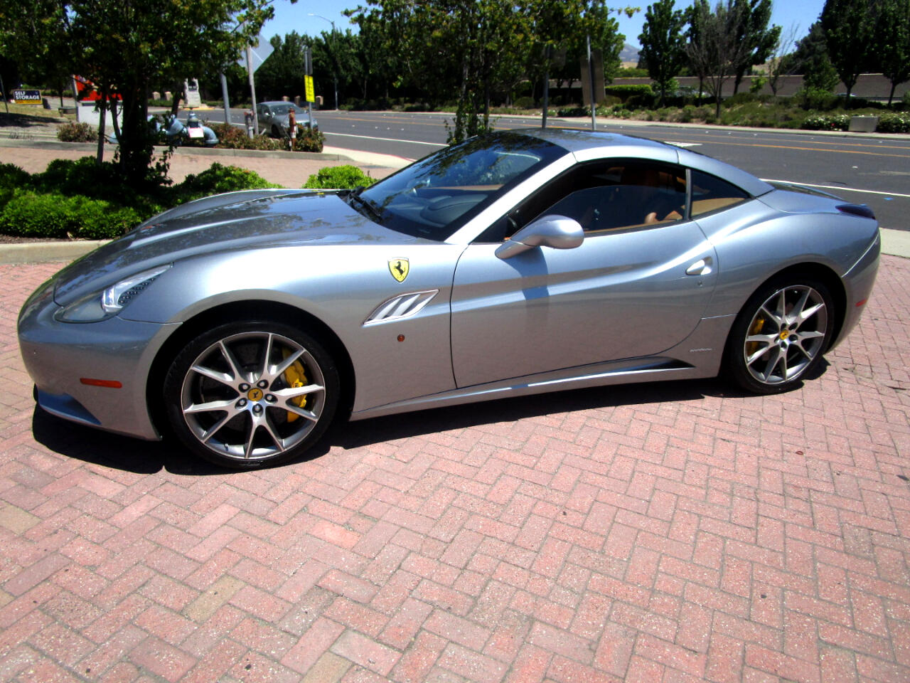 2013 Ferrari California CONV*NAV*SAT*BT*POWER LTHR HEAT SEATS*REAR CAMERA*
