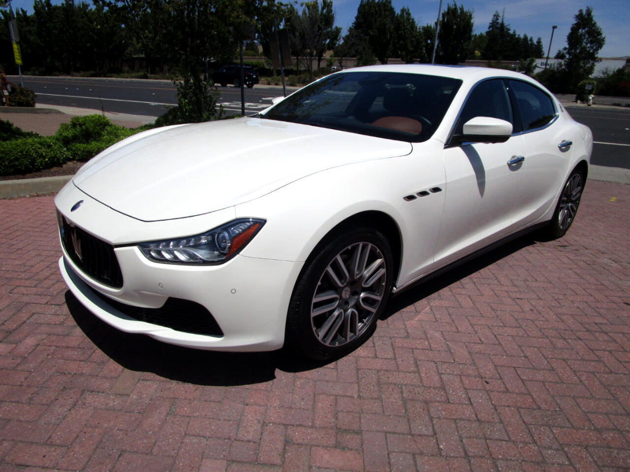 2017 Maserati Ghibli PREMIUM PKG*DRIVER ASSIST**PREM SOUND*HEAT SEATS*C