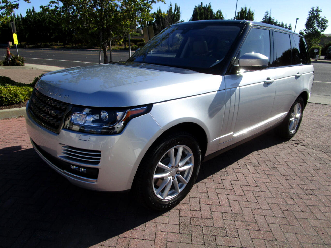 2017 Land Rover Range Rover SUPERCHEARGED V6**DRIVER ASSIST**HEAT SEATS*PANO*