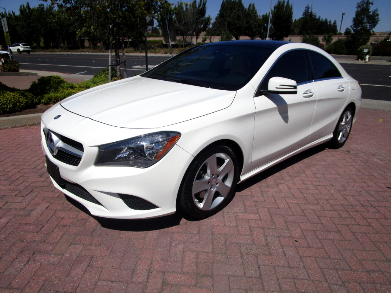 2015 Mercedes-Benz CLA SPORT PKG*BLIND SPOT*HK SOUND*HEAT SEATS*KEYLESS**