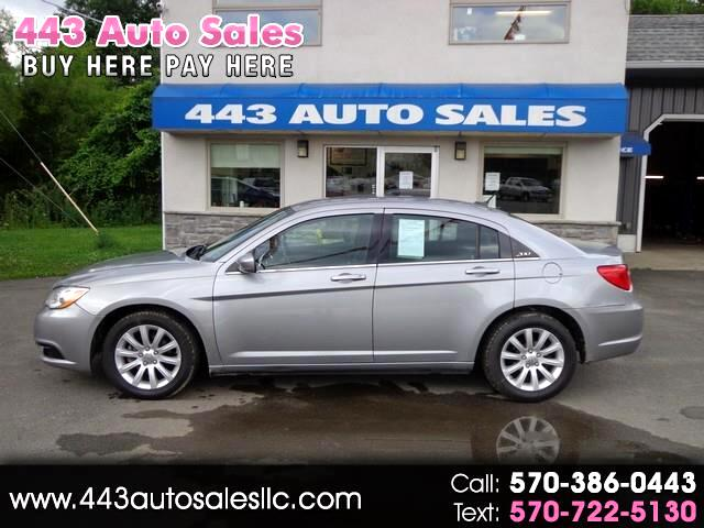 Chrysler 200 4dr Sdn Touring 2014