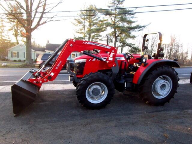 2018 Massey Ferguson Farm 4707 LOADER 4X4  MASSEY