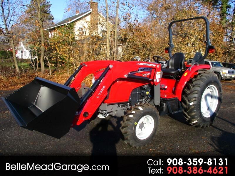 2017 Massey Ferguson Farm 2706E 4X4 TRACTOR LOADER