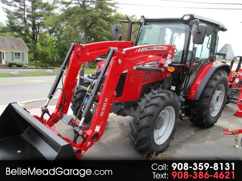 2018 Massey Ferguson Farm 4707 4X4 TRACTOR LOADER