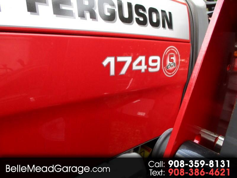 2018 Massey Ferguson Farm 1749 4X4 TRACTOR LOADER AND BACKHOE