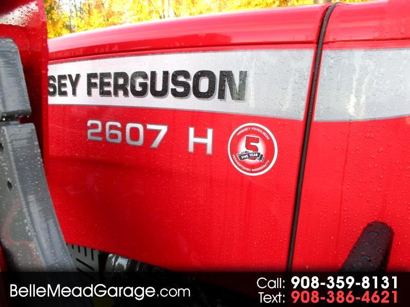 2018 Massey Ferguson Farm MF2607H 4X4 TRACTOR LOADER