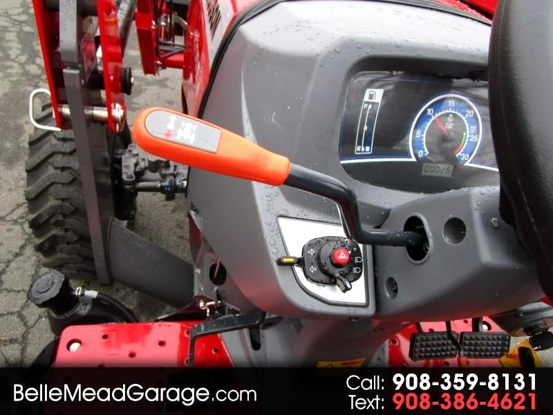 2018 Massey Ferguson Farm GC1715 WITH LOADER AND QUICK ATTACH BUCKET