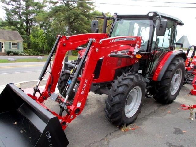 2017 Massey Ferguson Farm 4707 DELUXE 4X4 CAB/LOADER  MASSEY