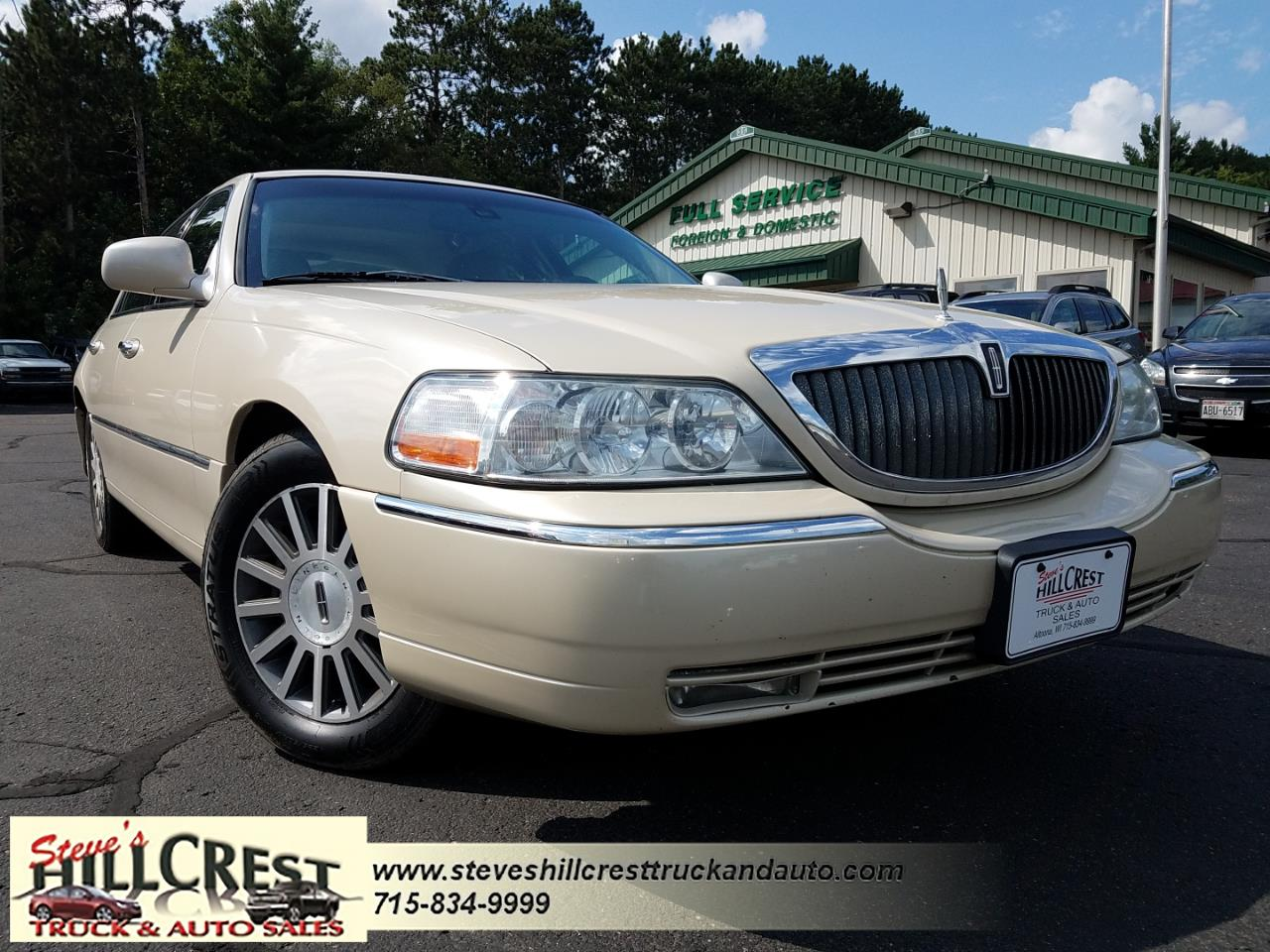 Lincoln Town Car 4dr Sdn Signature 2003