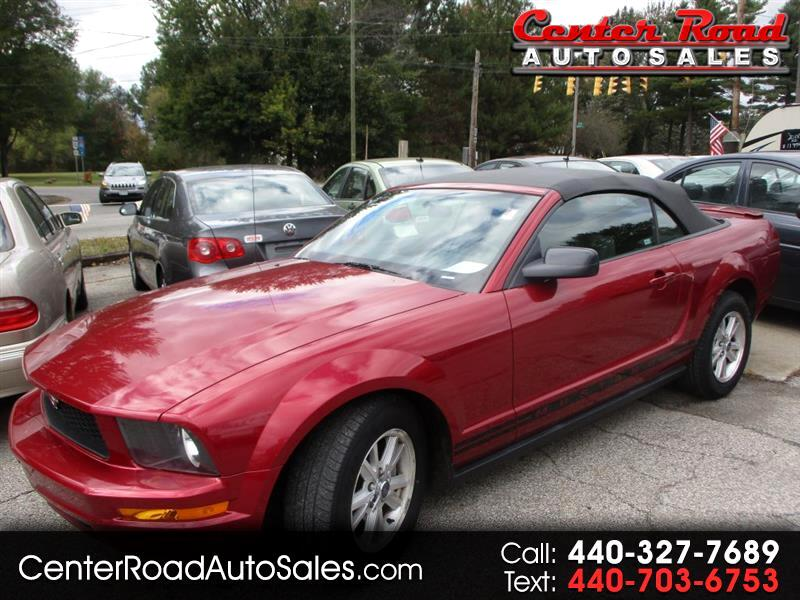 Ford Mustang V6 Deluxe Convertible 2007