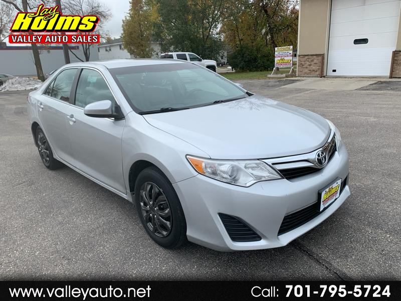 Toyota Camry 4dr Sdn I4 Auto XLE (Natl) 2013