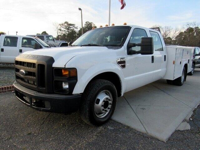 "2008 Ford Super Duty F-350 DRW 2WD Crew Cab 176"" WB 60"" CA XL"